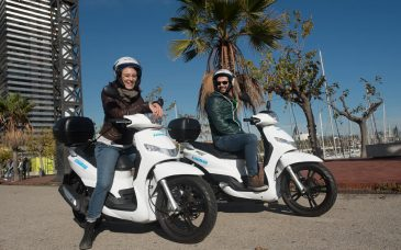 Tour in scooter per le strade di Barcellona